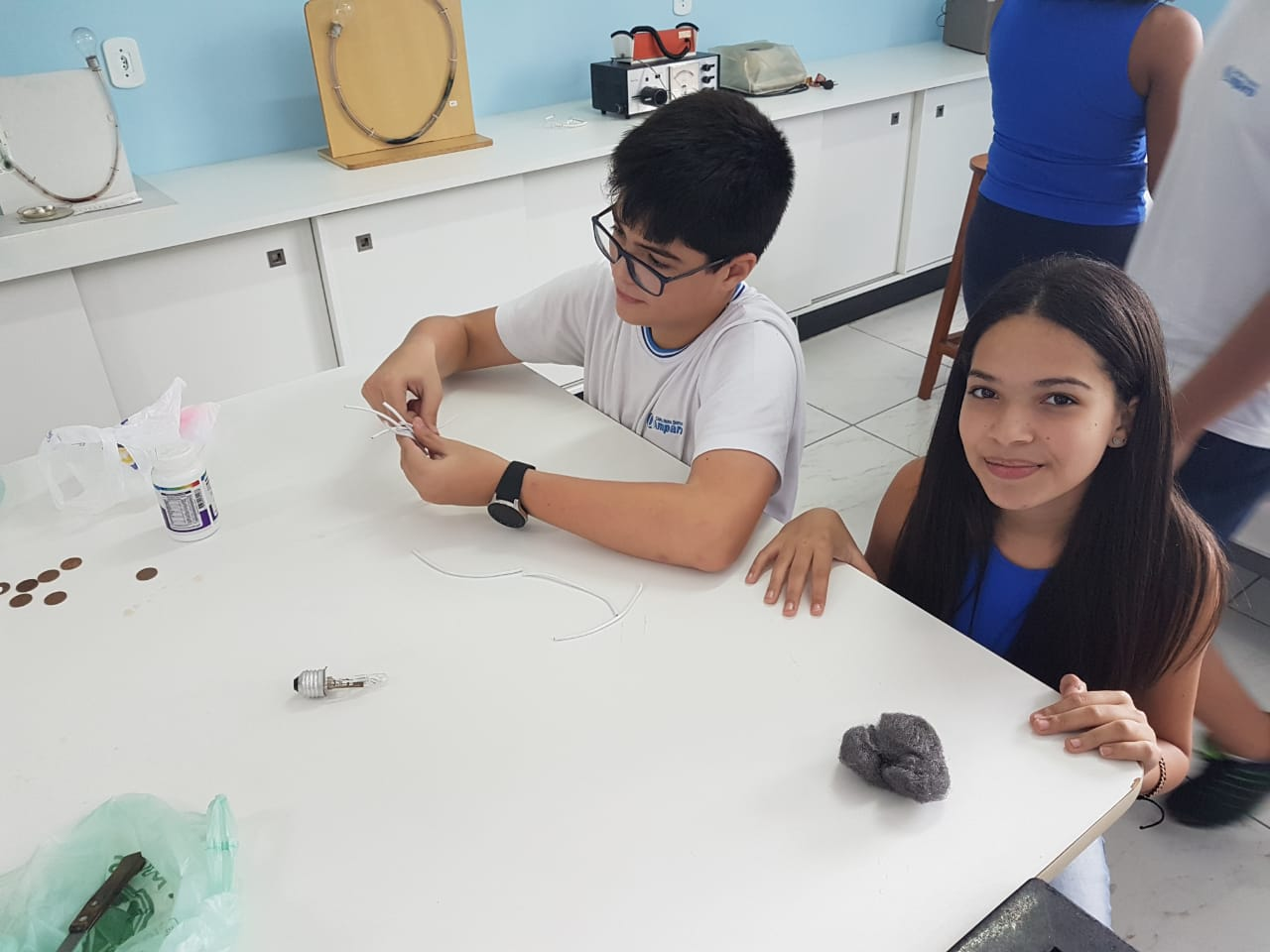Atividade no Laboratório de Ciências