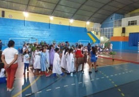 Nossos alunos vivenciaram os acontecimentos da Semana Santa e Páscoa, compreendendo o amor Redentor de Cristo por todos nós.